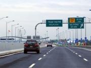Từ 10/8, giảm tới 30% phí sử dụng đường bộ cho ôtô chở khách