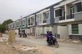 Nhà mới xây 1 trệt 1 lầu Phan Văn Hớn Hóc Môn giá chỉ 410tr/căn SHR khu dân cư đông