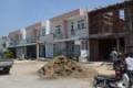 CHÍNH CHỦ cần tiền kinh doanh bán gấp 2 lô đất liền kề đã có sổ dự án Long Hưng giá rẻ , lh 0985632725