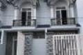 Cần tiền bán gấp khu nhà ngay KDC chợ Hưng long dt 120m2/căn giá 960tr
