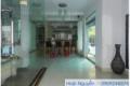 Cho thuê villa đường nội bộ Xuân Thủy có hồ bơi đủ nội thất giá 2500$