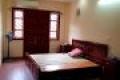 Chủ nhà để lại toàn bộ nội thất, khách mua chỉ việc xách vali đến ở, nội thất gỗ lim, bền đẹp, ấm áp.