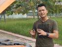 [Video] Châm nước rửa kính ô tô đúng cách, tránh làm xước
