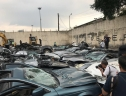 Hàng chục xe sang bị ủi bẹp tại Philippines