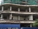 Kỳ lạ tòa nhà bỏ không, trở thành bãi rác ở nơi giá đất lên tới nửa tỷ đồng/m²