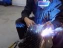 Đứng hình với bộ lốp được chế tạo từ… đinh