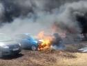 300 ô tô bị thiêu rụi bởi 1 điếu thuốc lá