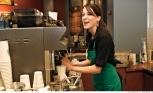 Starbucks tăng lương cho nhân viên mặc váy ngắn