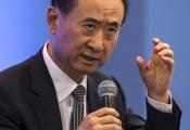 Tỷ phú giàu nhất Trung Quốc 'vỡ mộng' đối đầu Disneyland