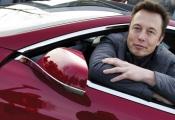 CEO Tesla trấn an nhà đầu tư… vì giá cổ phiếu tăng cao
