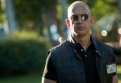 Ông chủ Amazon chỉ giữ ngôi giàu nhất thế giới trong vài giờ