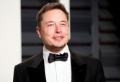 Chỉ một hành động nhỏ, tỷ phú Elon Musk khiến giới doanh nhân kính phục