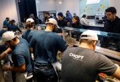Nhà hàng Mỹ dần loại bỏ bàn ghế ăn