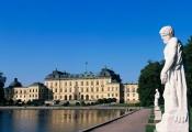 Những cung điện hoàng gia xa hoa trên thế giới