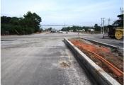 Sắp thông xe đường dẫn vào Green River City