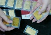 Giá vàng tăng, chứng khoán sụt mạnh vì châu Âu hạ lãi suất