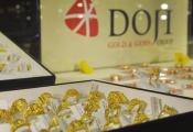 Giá vàng SJC tăng vọt cả triệu đồng ngay khi mở cửa