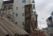 Những ngôi nhà kỳ dị tiếp tục mọc lên ở phố mới Hà Nội