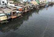 """""""Nóng"""" việc lấn chiếm kênh rạch tại TP Hồ Chí Minh"""