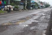 Quốc lộ 1A vừa nâng cấp đã tan nát, dân bức xúc vì nộp phí BOT quá cao