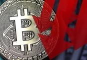 Bitcoin bất ngờ xuống dưới 10.000 USD sau tuyên bố của SEC