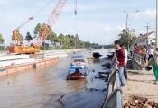 Xây cầu gần 30 tỷ đồng lại không có… độ tĩnh thông thuyền