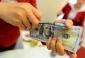 """Tỷ giá tự do lập đỉnh mới, các ngân hàng thương mại khó """"bình chân"""""""