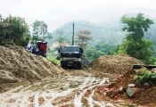 Băm nát đất rừng Sóc Sơn xây biệt phủ