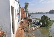 Sạt lở ven sông Vàm Cỏ Tây, 4 căn nhà chìm xuống sông