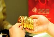 Điểm tin sáng: USD tăng, giá vàng treo ở mức cao