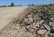 Tháo dỡ 2 con đường xây dựng trái phép quanh dự án sân bay Phan Thiết