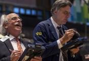 Lần đầu tiên S&P 500 vượt 1.800 điểm