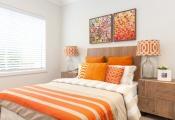 Nhà ấm áp với tông màu cam trong mùa thu-đông