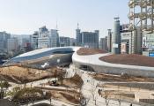 Choáng với trung tâm thiết kế hình trăn ở Seoul