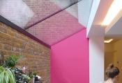 Màu hồng - xu hướng trang trí cho phòng bếp hiện đại