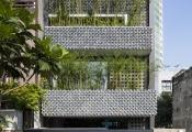 Nhà chính Tây độc đáo từ trong ra ngoài giữa Sài Gòn