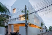 Căn nhà hiện đại màu trắng ấm áp ở Thái Lan