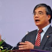 Ông Trần Đình Thiên: 'Không nên tăng trưởng tín dụng quá 18%'