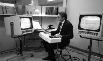 'Cha đẻ' của chuột máy tính qua đời ở tuổi 91