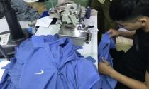 Đột kích nhà máy may, bắt hàng nghìn áo phông giả hàng hiệu