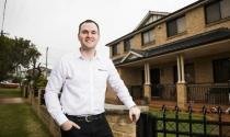 """Sống tiết kiệm, chàng trai 29 tuổi """"tậu"""" 29 căn nhà khắp nước Úc"""