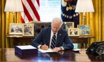 Biden ký luật cứu trợ 1,9 nghìn tỷ USD
