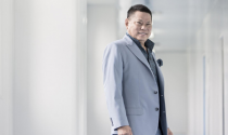 Chân dung 2 tỷ phú Việt kiều trên Forbes
