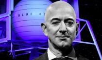 Tỷ phú Jeff Bezos bay vào vũ trụ với hai kỷ lục mới