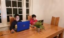 Giàu không đợi tuổi, cậu bé 12 tuổi kiếm gần chục tỷ nhờ công nghệ số