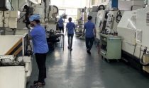 Nhiều nhà máy vẫn duy trì '3 tại chỗ'