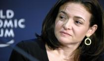 """Sheryl Sandberg """"choáng"""" với kết quả IPO của Facebook"""