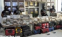 Máy bay riêng của triệu phú Pháp vận chuyển cocaine