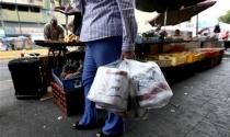 """Dân Venezuela điêu đứng vì """"khủng hoảng giấy vệ sinh"""""""