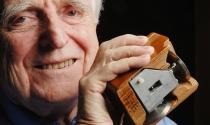"""Doug Engelbart: """"Cha đẻ"""" chuột máy tính qua đời ở tuổi 88"""